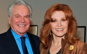 Foto recente de Robert Wagner e Stephanie Powers