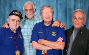 David Hedison (Capitão Lee Crane), Terry Becker (Chefe Sharkey), Allen Hunt (Marujo Riley) e Derrik Lewis (Tenente O'Brien)