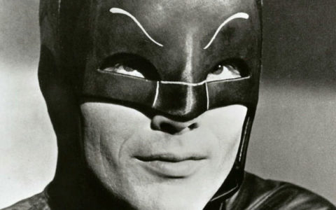 Morre Adam West, o Batman dos anos 60